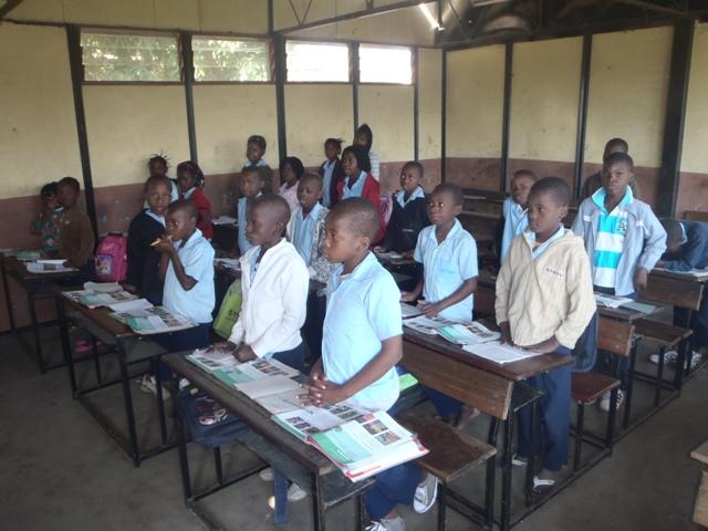 Children of Unidade 16 primary school